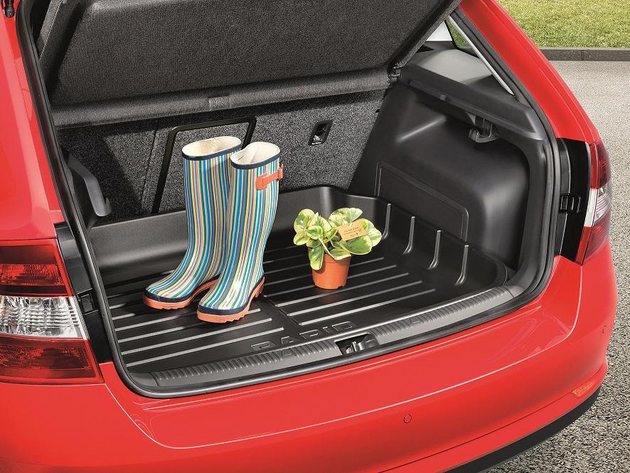 Kofferraumwanne mit erhöhtem Rand, Limousine