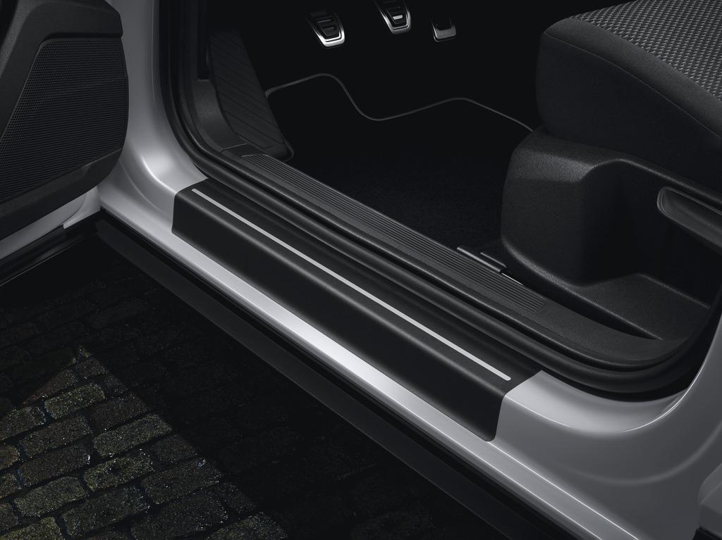 Schutzfolie für Einstiegsleiste Schwarz/Silber, vorn und hinten